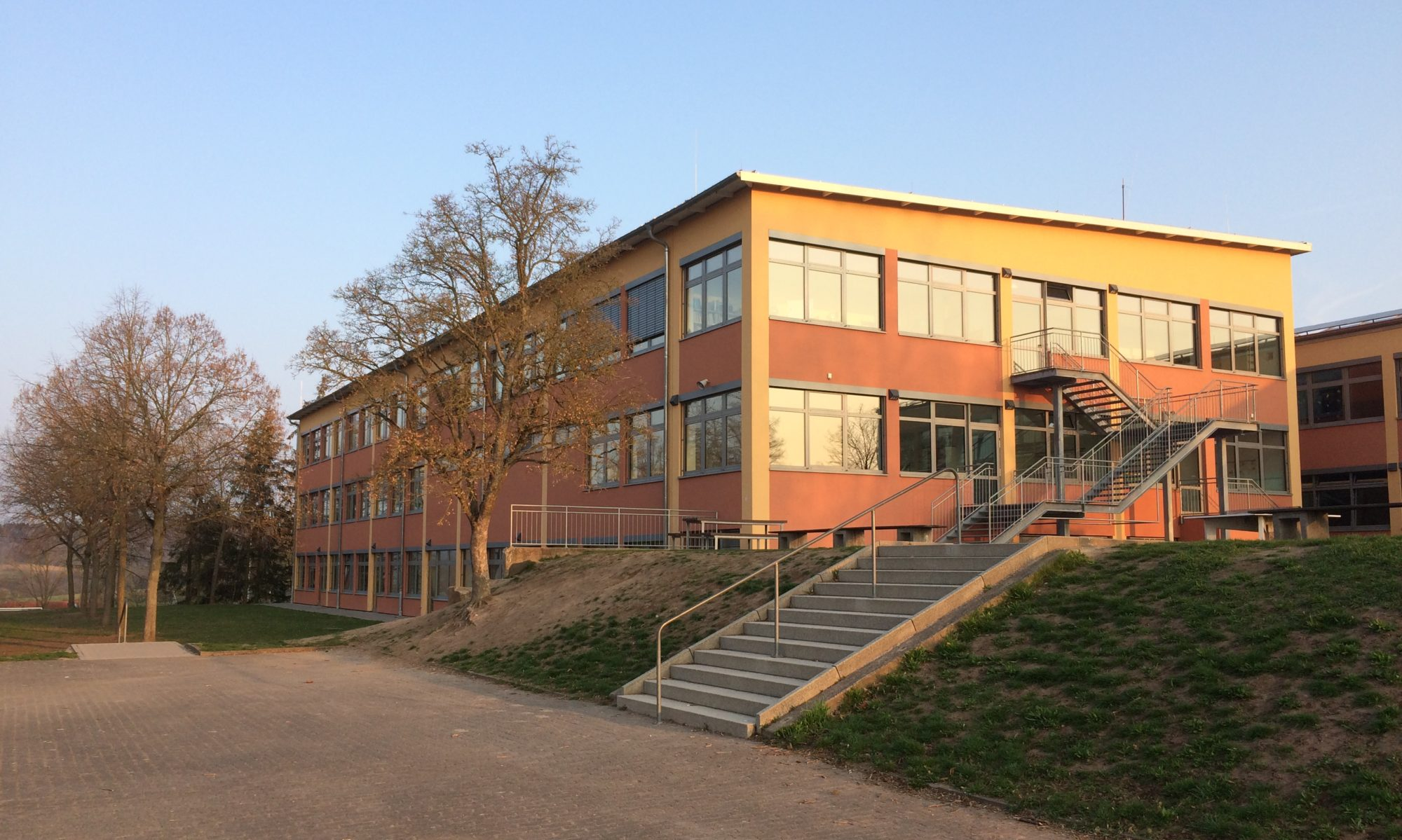 Johannes-Obernburger-Grund- und Mittelschule